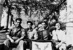 Milicianos de Balmaseda.  Batallón Avellaneda en Güeñes.  El segundo por la derecha es Fernando Larrea, muerto en combate.